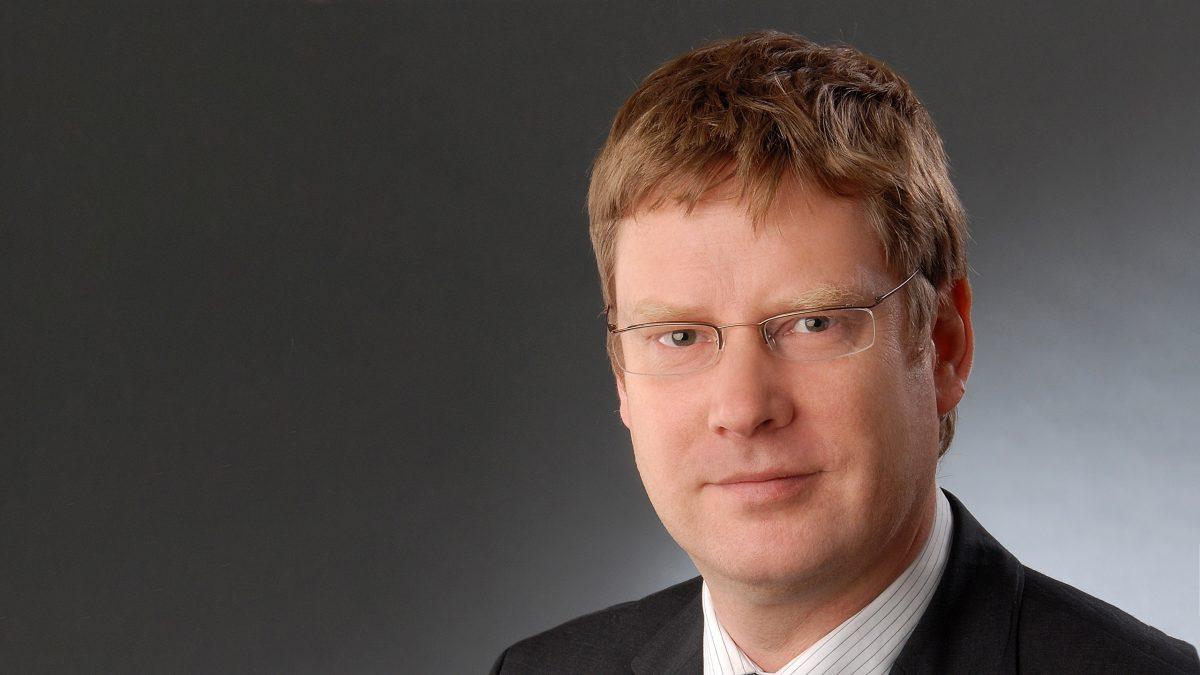 Dr. Lars Moench | University of Hagen