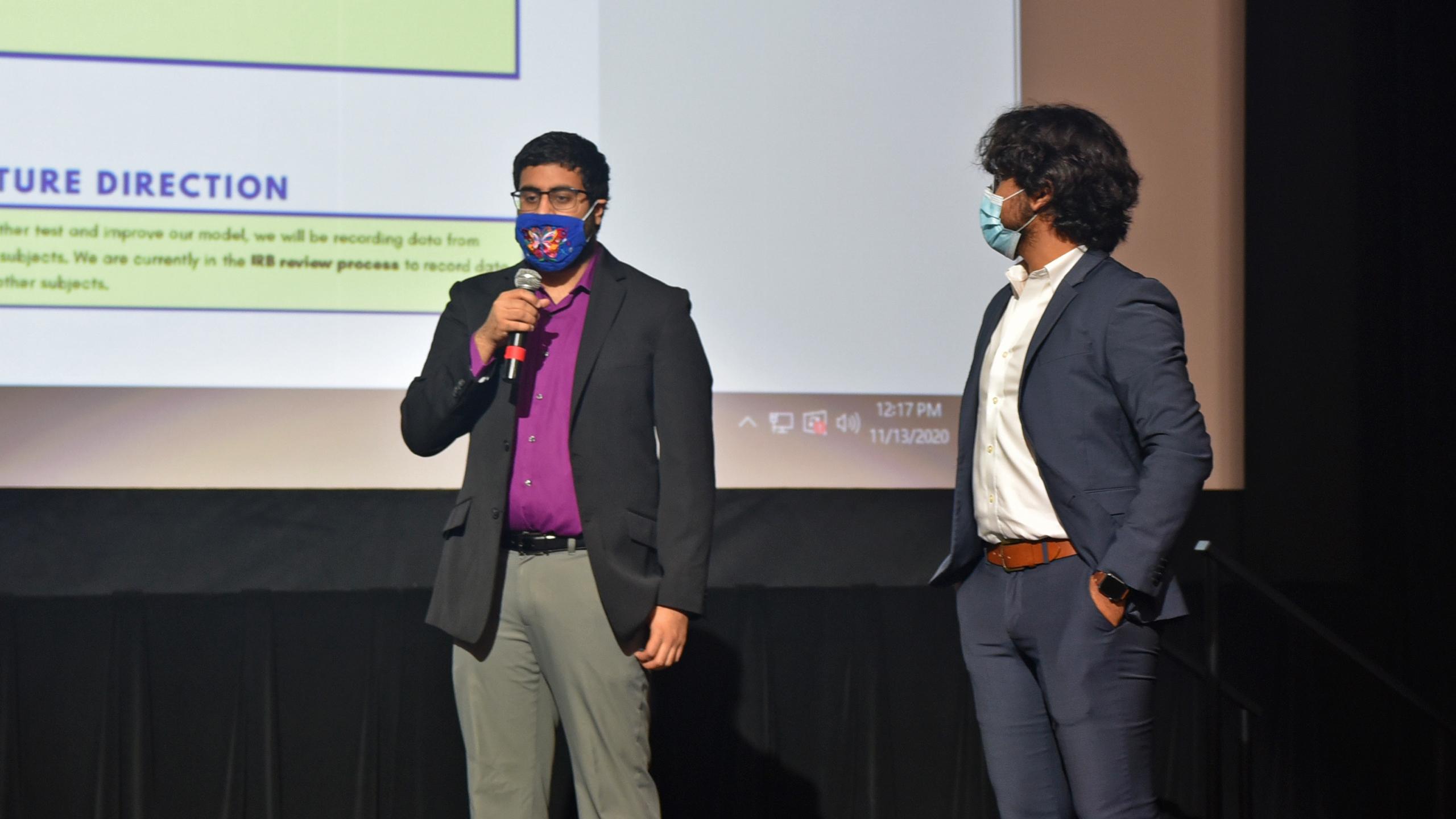 Team NIOSH A giving thier presentation.