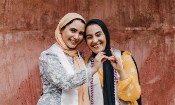 Twin Sisters Nurture Friendship, Individuality